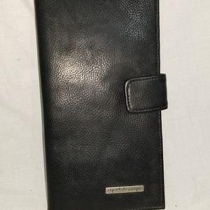 # b8,355 Esprit de Corps Travel Passport Wallet